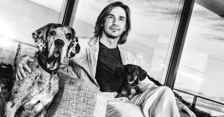 Gregor Pchalek mit Hunden